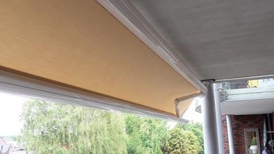 Knikarmscherm als balkon zonwering