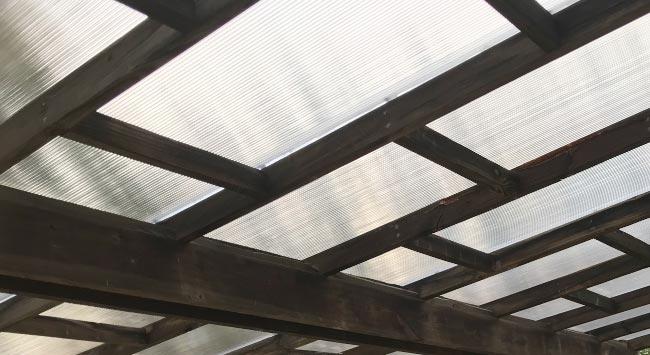 Kunststof terrasoverkapping